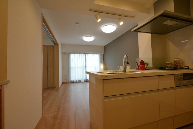 ラディエンス世田谷若林 604号室 リビングダイニングキッチン