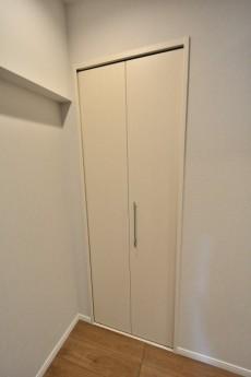 パークサイド六本木 洋室1