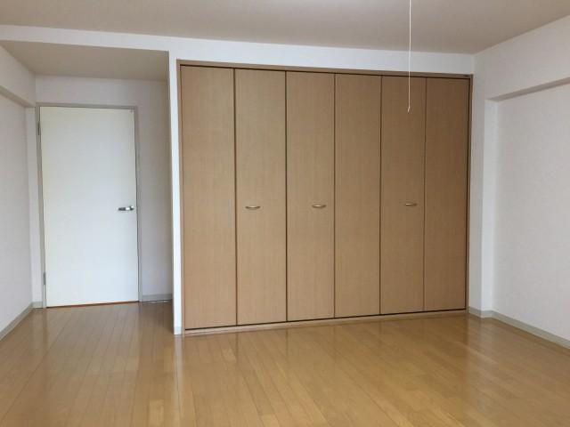 桜丘フラワーホーム 洋室約10.7帖