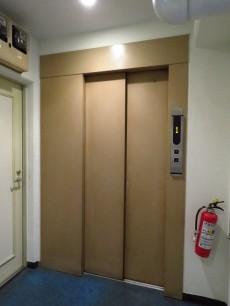 ニューお茶の水 エレベーター