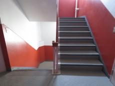 藤ビル 共用階段