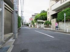 島津山ヒルズ 前面道路