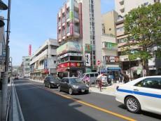 秀和都立大レジデンス 駅前通り