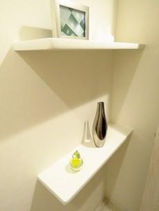 西五反田コープ トイレ収納棚