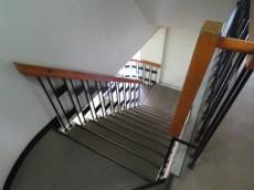 上町マンション 共用階段