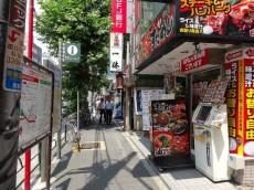 カーサ早稲田 駅前通り