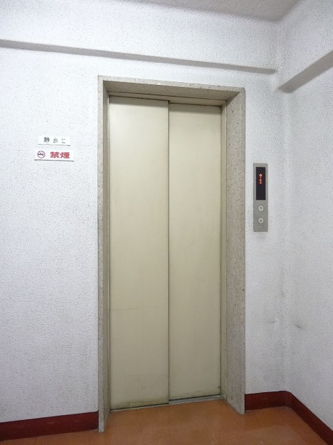 秀和等々力レジデンス エレベーター