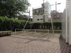 上高田四丁目団地 敷地内公園