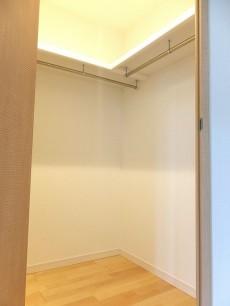 グランドメゾン目黒 8.3帖洋室のWIC