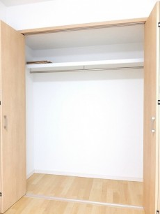グランドメゾン目黒 5.7帖洋室のクローゼット