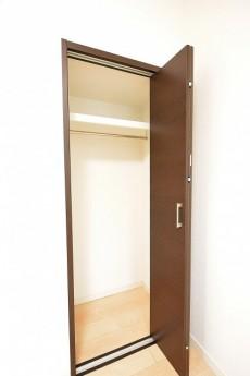 ライオンズマンション広尾第2 4.5帖のベッドルームクローゼット