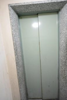 マンション市谷台 エレベーター