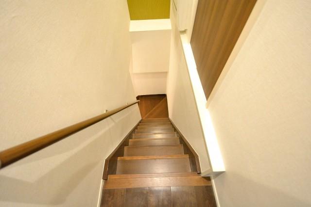 ドミネンス本郷 階段