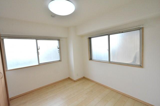 シャンピア北沢 洋室1