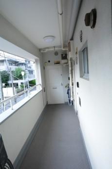 マンション市谷台 共用廊下