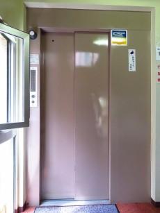 ハイライフ大森 エレベーター