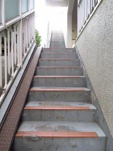 ライオンズマンション桜新町 共用階段