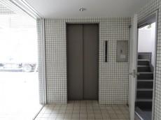 サンライン成城ハイツ エレベーター