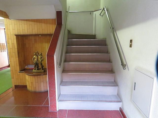 朝日瀬田マンション 共用階段
