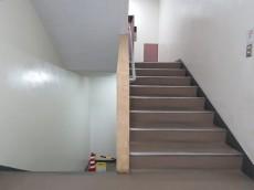 サトミビル 共用階段