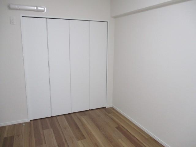 多摩川芙蓉ハイツ 2帖洋室収納