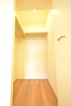方南町セントラルマンション 4.7帖洋室WIC