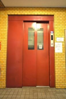 ベルベシティ用賀 エレベーター
