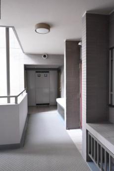 ビラカーサ四谷四丁目 共有廊下
