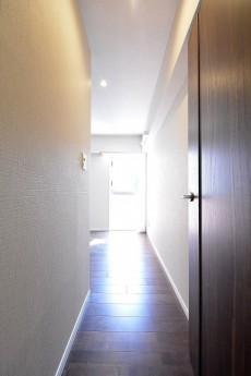 ライオンズマンション広尾第2 6.8帖洋室ドア