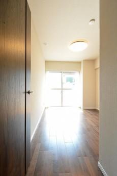 ライオンズマンション広尾第2 5.7帖洋室ドア