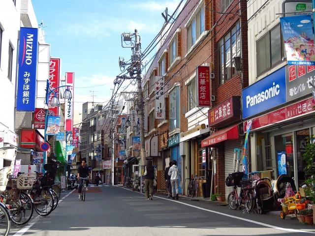 東山コーポラス 商店街