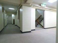 上馬マンション 共用廊下