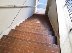 メゾンドール駒込 共用階段