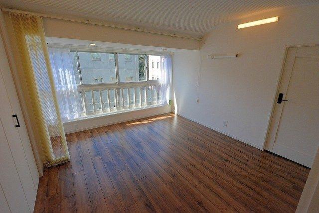 第三宮庭マンション405号室 洋室