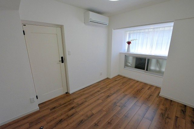 第三宮庭マンション405号室 洋室2