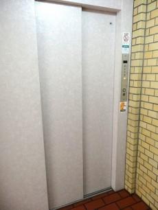 ライオンズマンション中野弥生町 エレベーター