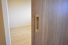 ガーデン堀ノ内住宅 洋室①ドア