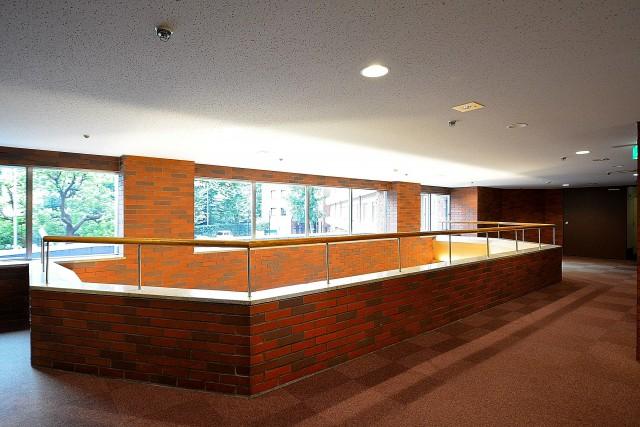 ニューステイトメナー 2階エレベーターホール