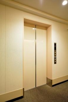 ニューステイトメナー エレベーター
