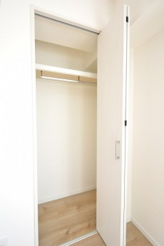 藤和護国寺コープ 4.8帖洋室のクローゼット