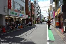 成城マンション 商店街