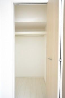 ライオンズマンション南平台 洋室①クローゼット