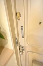 ライオンズマンション駒沢 玄関ドア
