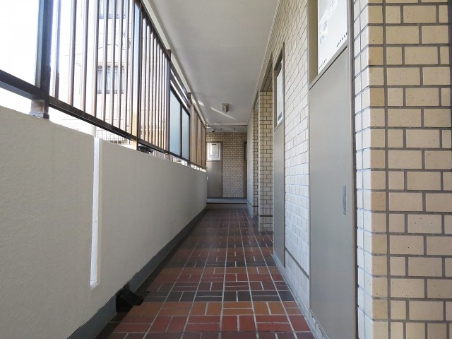 サンビューハイツ哲学堂 共用廊下
