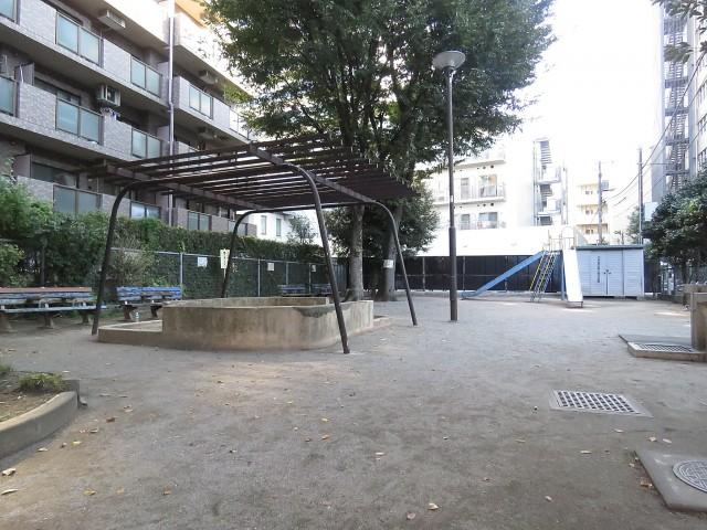 東中野ハイム マンション横の公園