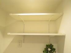エクセレンス笹塚 洗濯機置場上の棚