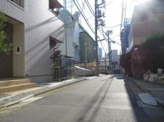マンション市谷台 前面道路