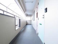 シャンボール第二都立大 共用廊下