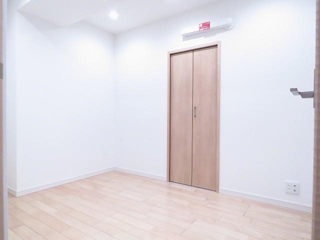 日商岩井碑文谷マンション サービスルーム約4.1帖