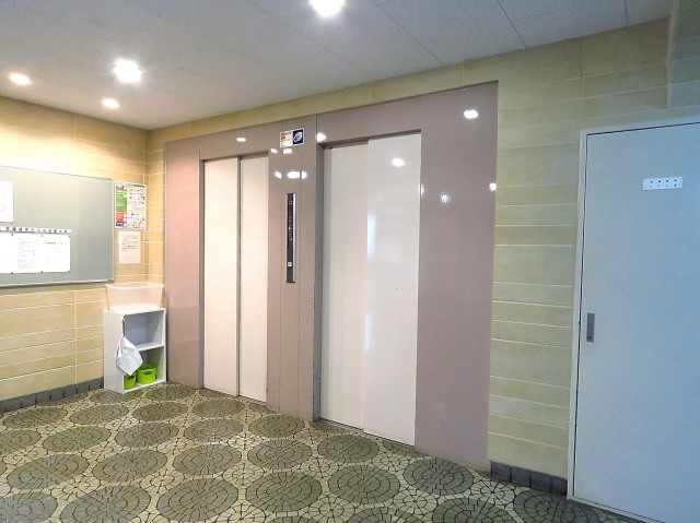 日商岩井碑文谷マンション エレベーター